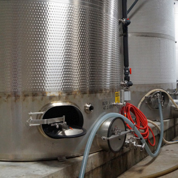 sanitise stainless steel wine tanks with super heated steam