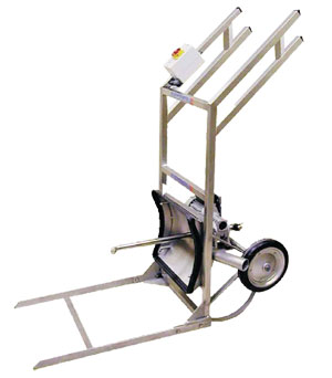 manual handling of wine barrels is easy, using this specially designed trolley