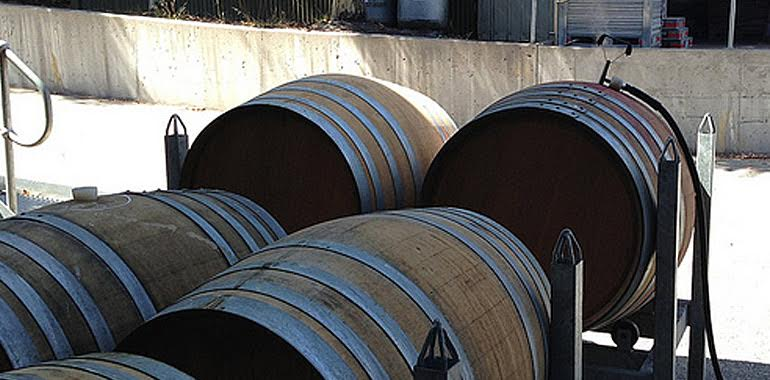 wine barrels are pressurised with high temperature steam for sanitising
